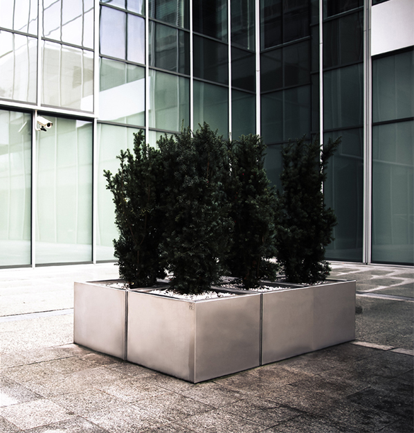 modern_stainles_steel_planters